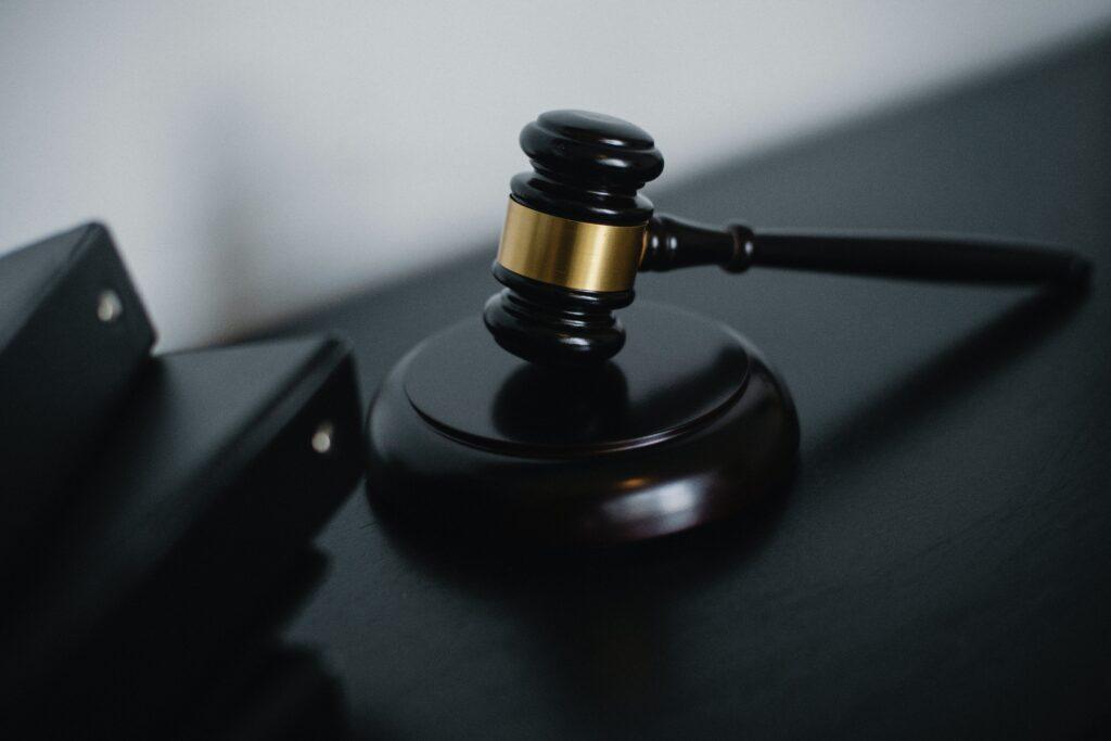 Адвокат по судебным вопросам КАМОП